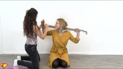 Fiddle on Hannah